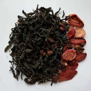 Ivan tea with  wild strawberries and strawberries. Leafy, fermented. 50 g
